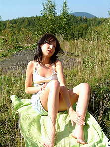 Gorgeous Looking Skinny Brunette Babe Enjoying Sex Action in Outdoor Field