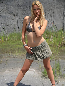 Blonde Petite Babe Is Exposing Her Massive Boobs and Pink Pussy In Outdoor