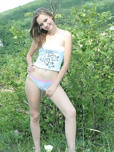Glamorous Hot Teen Slim Babe Making Thrilled and Exposed In Garden