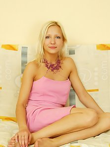 Cute Blonde Babe in Pink Dress Showing Wild Attractive Poses