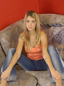 Stunning Blonde Babe on Sofa Posing With Undressed
