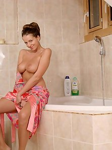 Big Breasted Blonde Babe Latina Enjoying Solo Sex Action in Bathroom
