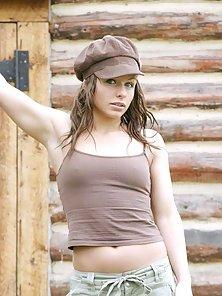 Glamorous Brown Headed Babe Exposing Her Sexy Naughty Look In Outdoor