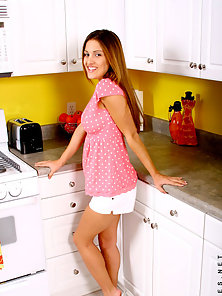 Brown Headed Beautiful Babe Andie Making Solo Sex In the Kitchen