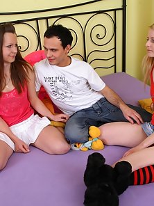 Naughty Naomi Arranged Sex Action for Violetta to the Virginity Loss