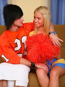 Hunky Dude Pleased the Naughty Cute Blonde Cheerleader Ania in Huge Excitement