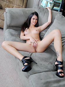 Stunning Brunette Exposing Ass and Squeezed Her Sensual Nipples on Couch