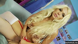Cunning Chick Caprice Jane with Flawless Body Blows Fleshy Schlong