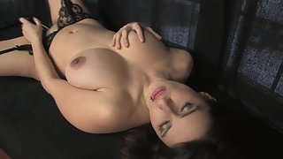Shining Babe with Huge Pleasing Tickling Craving Moist Cockpit