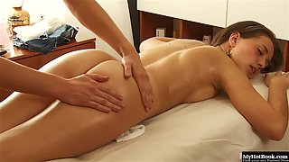 Alluring Skinny Laura Yung on Massage Table Gets Seduced
