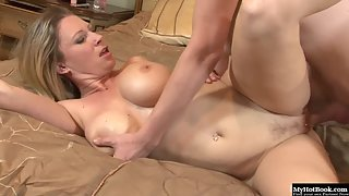 Buxom Slut Devon Lee Provides Awesome Boobjob and Blowjob to Fleshy Prick