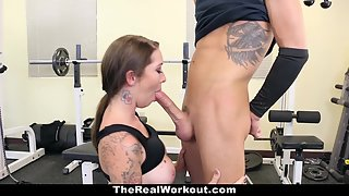 Attractive Gym Trainer Gets Huge Fucked By a Hunky Dude