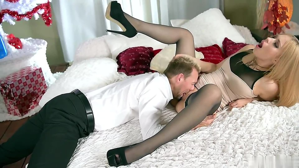 Stockings Wearing Nubile Gets Deeply Railed in Many Ways