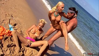 Beach Girls Ashely and Dian Pounded In Their Wet Muffs By Long Dick