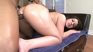 Beautiful Slut Karmen Kennedy Always Wants Heavy Stroke