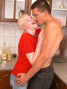 Blonde Sexy Babe Huge Cock Hammered In Shaved Twat and Thrilled
