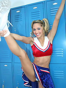 Big Titted Cheerleader Halia Hill Posing Before Getting Fucked