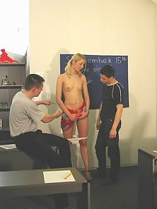 Skinny Blonde Babe in College Love Story Session for Blowjob
