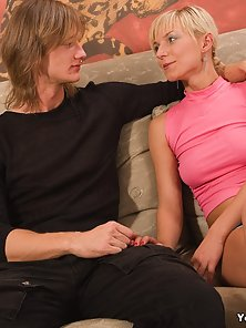 Wonderful Blonde Babe Gives Gorgeous Blowjob with Huge Dick of Her Lover