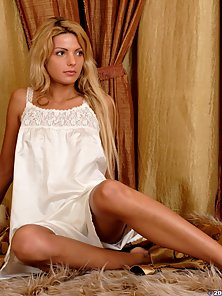 Stunning Ukranian teen shows off her perfect body
