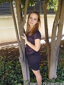 Blonde Get Excited White Moving In the Garden and Shows Her Naughty Action