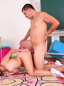 Blonde Kira Gets Hammered Hard By the Hunky Guy