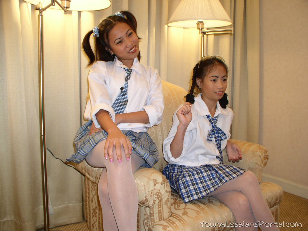 Wondrous Provocative Teen Schoolgirls Licking And Munching Naughtily Ncnpc Chair Design For Home Ncnpcorg