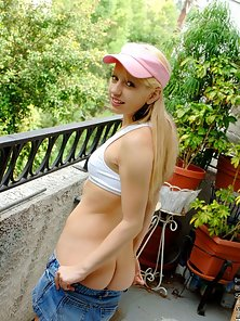 Sexy Blonde Babe Outdoor Naked and Teasing Action