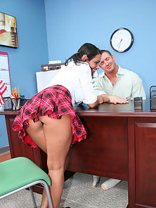 Hot Babe Charley Chase Licking and Fucking Deeply