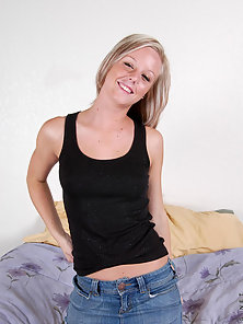 Blonde Feel Happy To Get Exposed In Front of the Camera and Circling Her Nipples