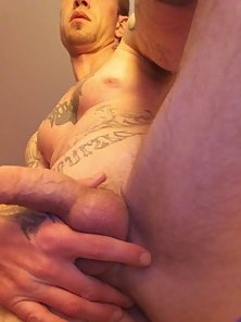 I am here for fun and want to find a freaky girl - big dick dude