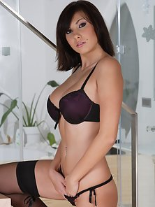 Hottest Teen Brunette Chick Opened Her Dress and Shows Her Snatch