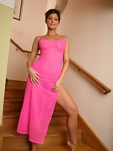 Rounded Tits Babe Striping Her Pink Dress and Reveals Her Sexy Body