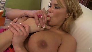 Ravishing Blonde Lady with Big Butts Seduced and Sucked Fat Dick