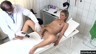 Naughty Lady Kim Nicole in Hospital Wants Treatment in Wet Snatch