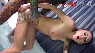 Tattooedd Kendra Cole gets pounded hard in the bathroom