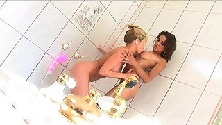Blonde Hottie and Pretty teen Licking Each Other Pussy inside Bahroom