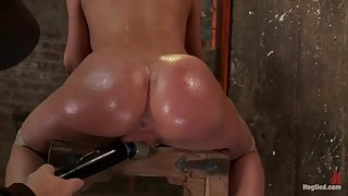 Ravishing Slut Amy Brooke with Bubble Buttocks Gets Wide Twat Tickled